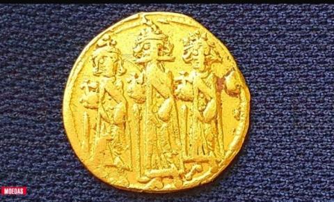 Rara moeda que mostra crucificação de Jesus é descoberta em Israel