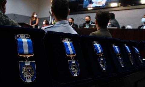 Câmara entrega medalha a profissionais da Segurança Pública