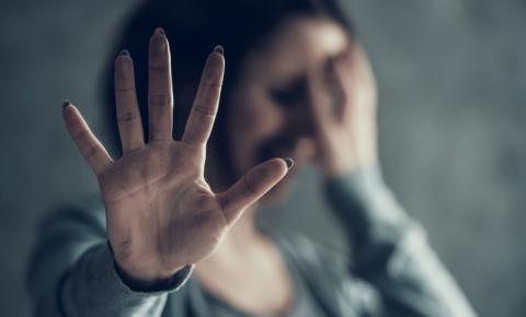 Agosto lilás: projetos buscam informar e dar suporte a vítimas de violência doméstica