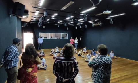 Cultura promove contação de histórias em comemoração ao mês do Folclore
