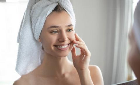Protetor solar para pele oleosa: de quanto em quanto tempo o produto deve ser reaplicado em dias de praia e piscina