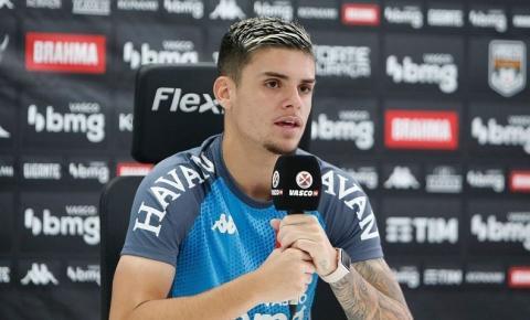 Gabriel Pec revela mudança no ambiente do Vasco com a chegada de Diniz