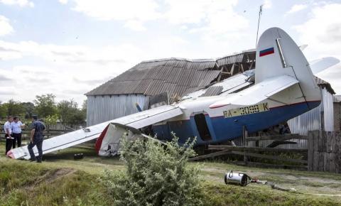 Avião cai na Rússia e mata 16 pessoas