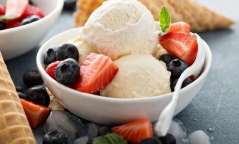 3 deliciosas sobremesas com sorvete | Sobremesas com sorvete