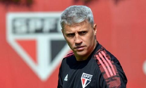 Em comum acordo, Hernán Crespo deixa o comando do São Paulo