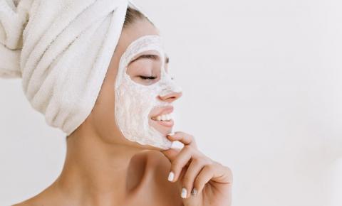 Máscara facial: saiba para que serve e como usar para conquistar uma pele incrível