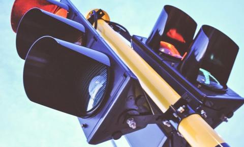 Excesso de velocidade é maior causa de suspensão e cassação de CNH