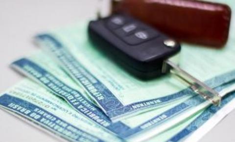 Maio é mês de licenciar veículos com placa final 2