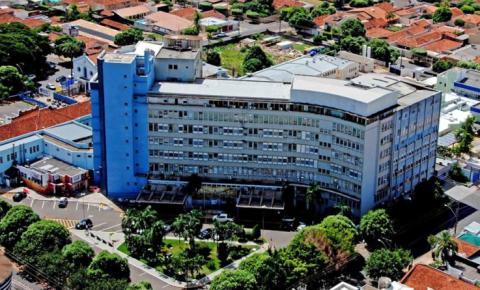 Bebês são trocadas na Santa Casa de Araçatuba; Polícia Civil vai investigar erro corrigido após 9 horas, graças a parente de criança