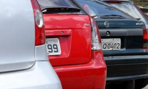 Últimos dias para licenciar veículos com placa final 2