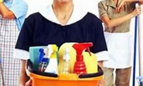 Acordo deve garantir na Justiça salários de 187 funcionárias de empresa de limpeza que teve contrato de R$ 450 mil rompido