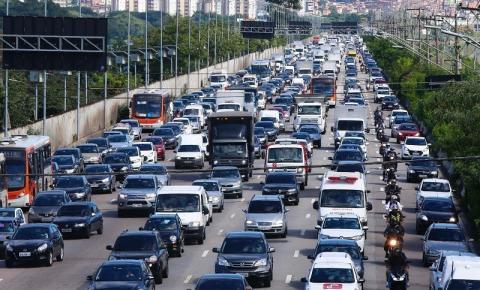 Vai até dia 15 o prazo estendido para licenciar veículos com placa final 2
