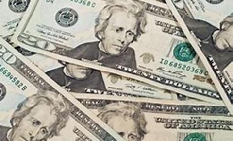 Dólar abre em queda de 0,35%, cotado a R$ 3,8974