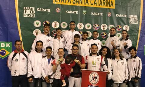 Araçatuba traz 48 medalhas da Interestadual de karatê e se prepara para a final do Brasileiro