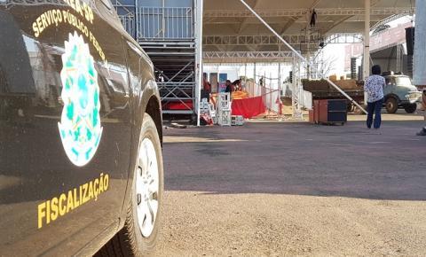 CREA fiscaliza montagem de estrutura do recinto de exposição