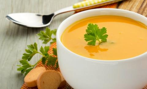 Caldo de Frango com Legumes