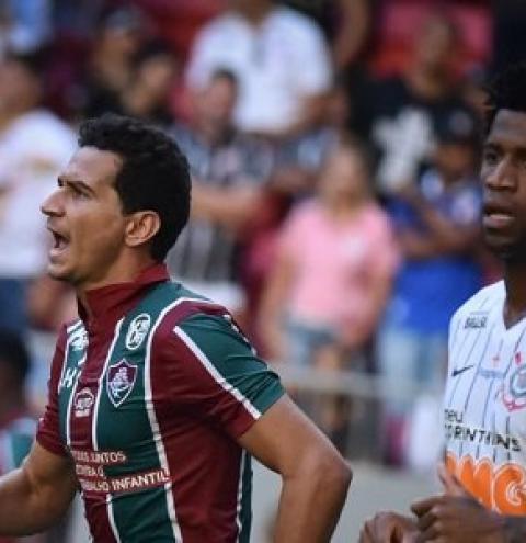 Fluminense bate o Corinthians e deixa a zona de rebaixamento