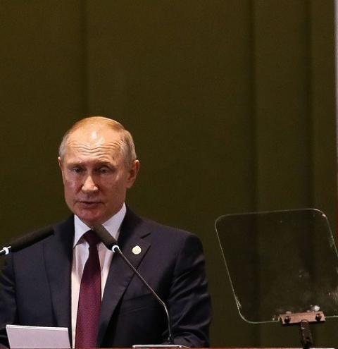 Putin e Biden podem se reunir em junho, diz assessor do Kremlin