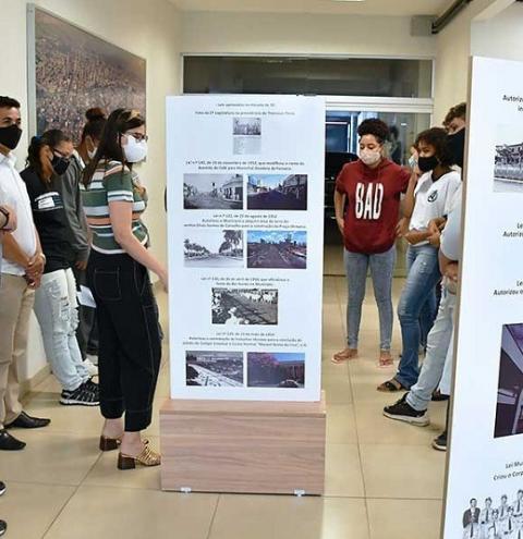 Estudantes de Araçatuba participam de visitas monitoradas na Câmara